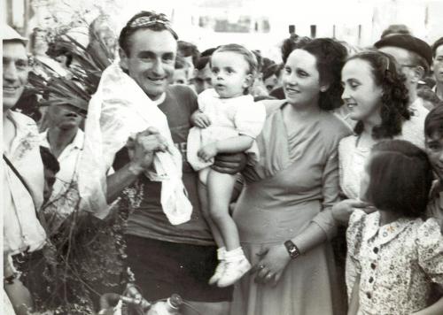 1948 à c Duteil, francis et Claudine.jpg